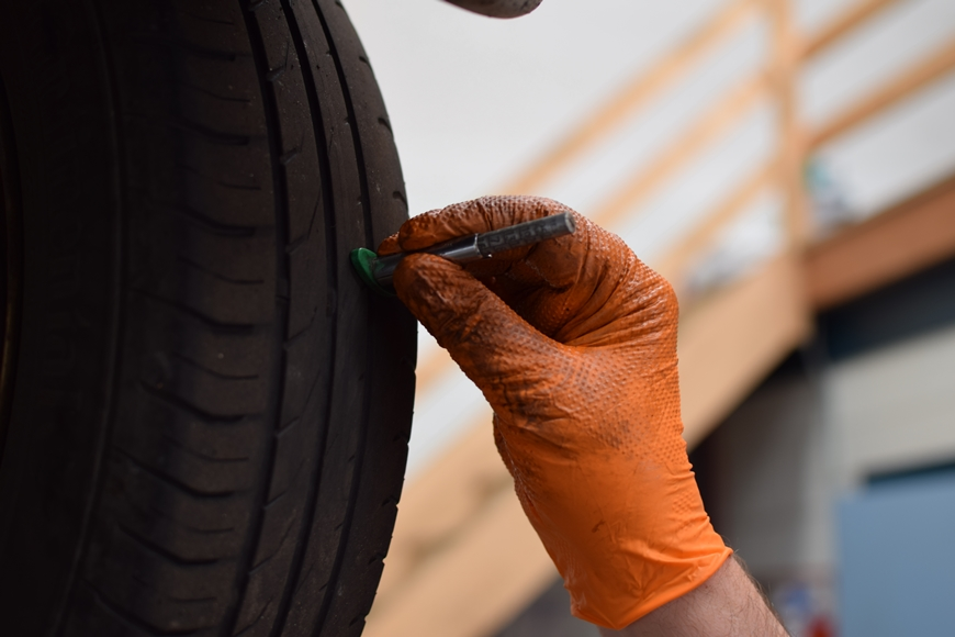 5 Tyre Signs You Should Look Out For